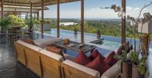 The Longhouse - Luxurious 6 Bedroom Villa in Jimbaran
