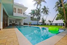 Footprints Villa - Artistic 5 Bedroom Beach Villa