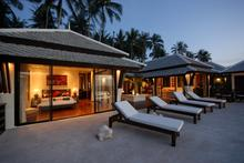 Villa Champagne - Astounding Beachfront Villa in Northern Samui