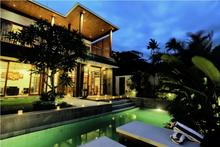 Bale Gede  - Fascinating Villa with Classic Balinese Design