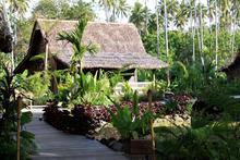 Master Villa - Delightful 2-Bedroom Beachfront Hut - 17