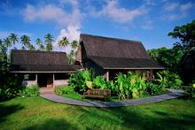 Master Villa - Delightful 2-Bedroom Beachfront Hut - 3