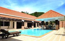 Baan Santi - Villa with Full Length Terrace Overlooking a Beautiful Pool