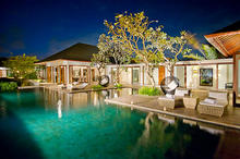 The Shanti Residence - Exquisite 5-Bedroom Villa in Nusa Dua