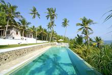 Pointe Sud - Luxurious 5 Bedroomed Beachfront Villa