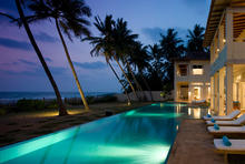 Nisala Villa - Beachfront Beauty Near Bentota