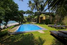 South Point Abbey - Classic 4 Bedrooms Beachfront Villa