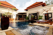 La Villa Rouge - Extravagant 4 Bedrooms Villa in Phuket