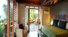 Family Bure Fiji - Tiki Style Dwelling by The Sea - 6