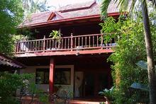 E4 - Spacious and Well Equipped 4 Bedroom Villa