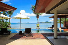 Baan Benjamart - 4 Bedroom Beachfront Villa in Koh Samui