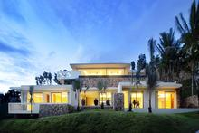 Villa 4 - Spectacular villa with a Dramatic sea view