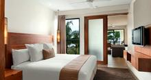 Two Bedroom Deluxe Beachfront - Luxurious Beach View Villa - 4