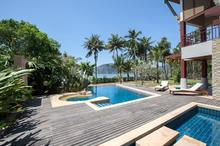 Amatapura Beach Villa 1 - Beachfront Villa with Timeless Elegance