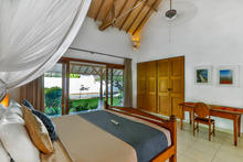 Villa Damai Kecil - A Magnificent 3 Bedroom Villa with Balinese Style - 21