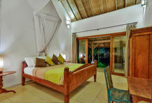 Villa Damai Kecil - A Magnificent 3 Bedroom Villa with Balinese Style - 17