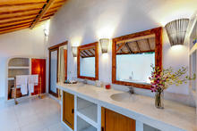 Villa Damai Kecil - A Magnificent 3 Bedroom Villa with Balinese Style - 5