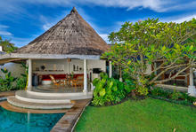 Villa Damai Kecil - A Magnificent 3 Bedroom Villa with Balinese Style - 10