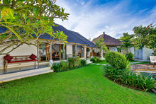 Villa Damai Kecil - A Magnificent 3 Bedroom Villa with Balinese Style - 9