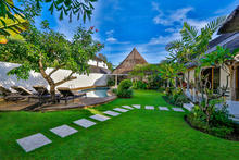 Villa Damai Kecil - A Magnificent 3 Bedroom Villa with Balinese Style - 8