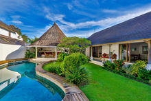 Villa Damai Kecil - A Magnificent 3 Bedroom Villa with Balinese Style