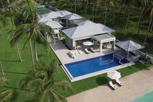 La Lagune - A satisfying 5 bedroom tropical beachfront villa