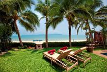 Villa Bougainvillea - Peace and tranquility in a private tropical haven