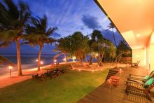 South Point Villa - Charming 3 Bedrooms Villa Overlooking The Ocean