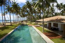 Stella Beach Villa - Wonderful Chic Beachfront Villa at Mirissa Beach