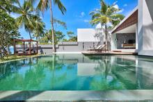 Villa Soong - Luxurious 3 Bedroomed Beachfront Villa