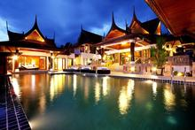 Reuan Thai Villa - Expansive 9 Bedroom Villa in Patong