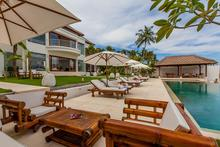 Villa Lulla - Amazing 7 Bedroom Beachfront Villa
