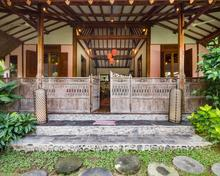 Villa Desa Roro Estate - Traditional Luxurious and Rustic Wooden 7 BR Villa in Tranquil Canggu - 16