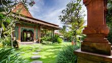 Villa Desa Roro - Exotic 5 Bedroom Villa With Traditional Balinese Design in Tropical Canggu - 2