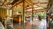 Villa Desa Roro - Exotic 5 Bedroom Villa With Traditional Balinese Design in Tropical Canggu - 9