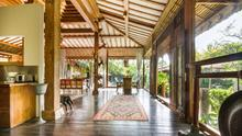 Villa Desa Roro - Exotic 5 Bedroom Villa With Traditional Balinese Design in Tropical Canggu - 10
