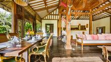 Villa Desa Roro - Exotic 5 Bedroom Villa With Traditional Balinese Design in Tropical Canggu - 11