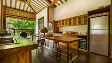 Villa Desa Roro - Exotic 5 Bedroom Villa With Traditional Balinese Design in Tropical Canggu - 14