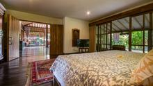 Villa Desa Roro - Exotic 5 Bedroom Villa With Traditional Balinese Design in Tropical Canggu - 16