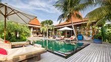 Villa Desa Roro - Exotic 5 Bedroom Villa With Traditional Balinese Design in Tropical Canggu - 1
