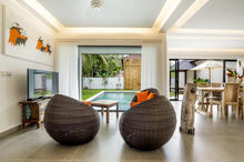 Villa Wiana - Modern Chic With Tropical Charm 3 Bedroom Villa in Seminyak - 9
