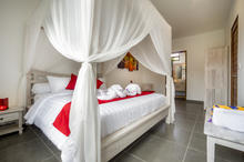 Villa Wiana - Modern Chic With Tropical Charm 3 Bedroom Villa in Seminyak - 13