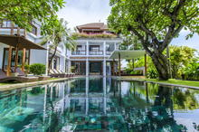 Mary's Beach Villa - A Perfect Spacious Seaview Villa