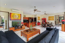 Villa Virginia - 4BR Villa that Combines the Traditional and Modern Vibe - 5