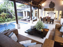 Villa Ubud - Fancy Two Story 2 Bedroomed Villa in Seminyak