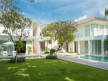 Villa Canggu North - Cozy 2 Bedroomed Beachfront Villa