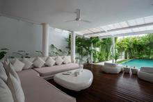 Frontside Villa 3 Bedroom - 3 BR Beautiful Villa Covered with Tropical Vibe - 4