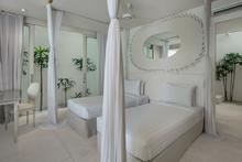 Frontside Villa 3 Bedroom - 3 BR Beautiful Villa Covered with Tropical Vibe - 9