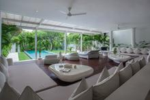 Frontside Villa 3 Bedroom - 3 BR Beautiful Villa Covered with Tropical Vibe - 2