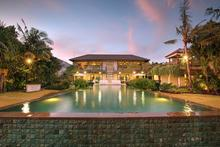 Villa Saujana - Magnificent 6 BR Villa near the Indian Ocean